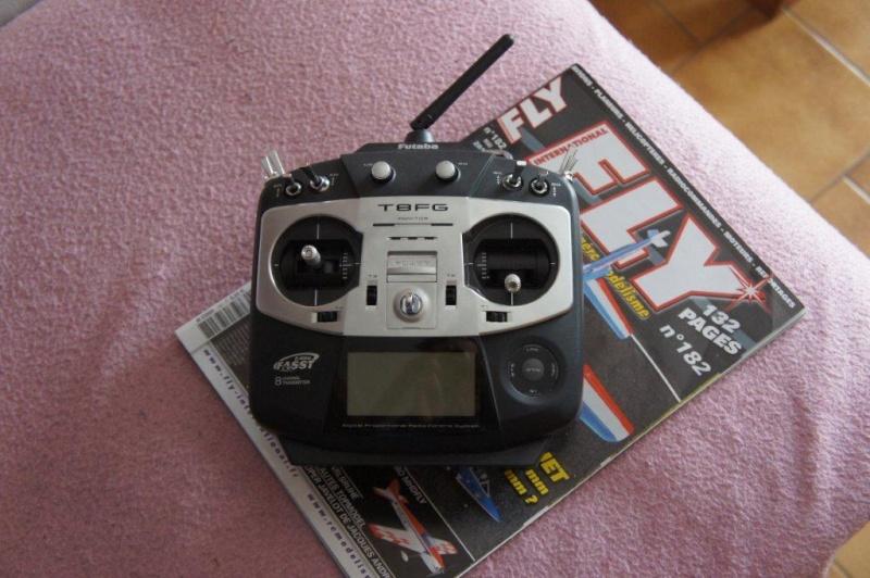 -- Vendue --Vends Radiocommande Futaba T8FG Up nouveau prix Dsc03213