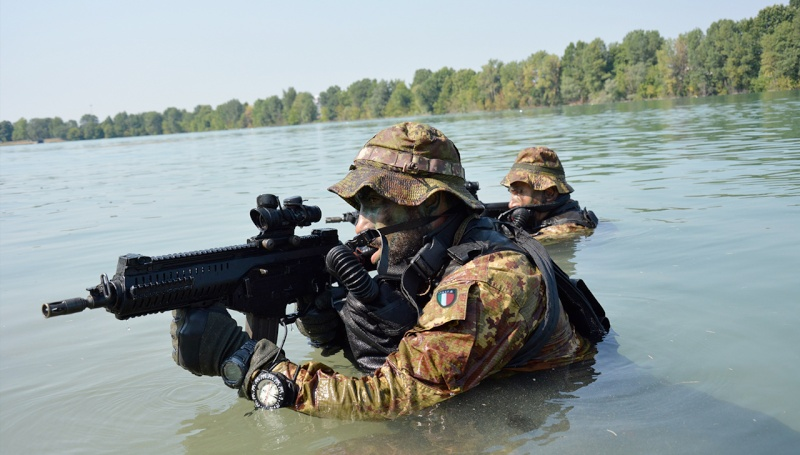 Italian Marines and Navy photos. 77710