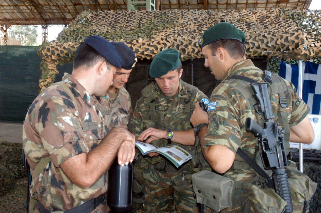 Italian Marines and Navy photos. B0410110
