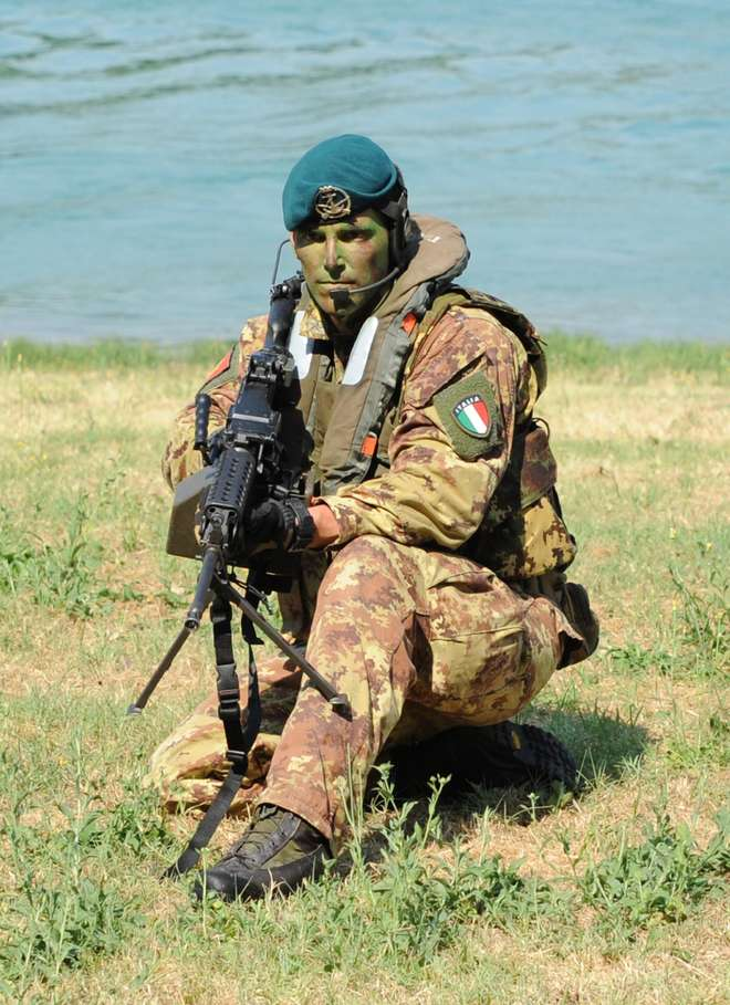 Italian Marines and Navy photos. Notizi10