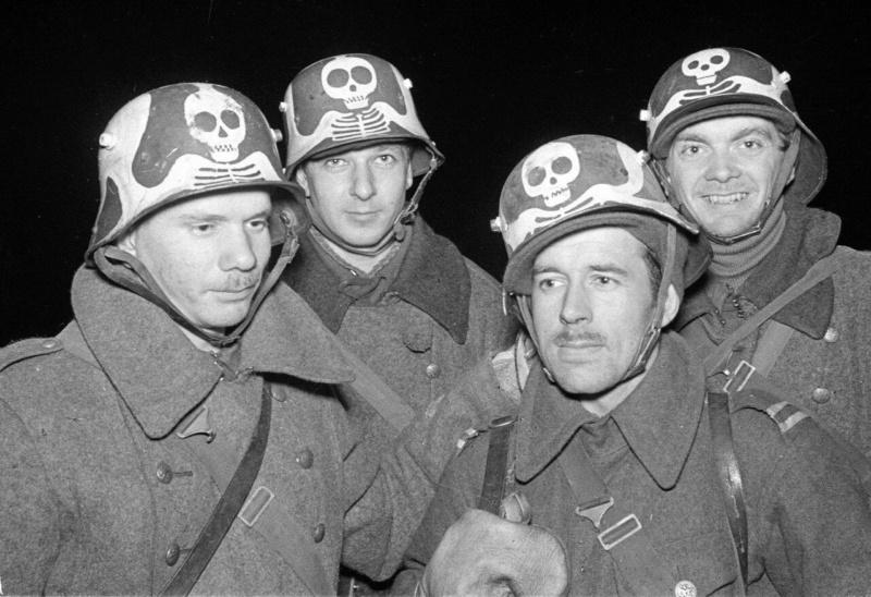 German (?) helmet symbol identification  S-l16038