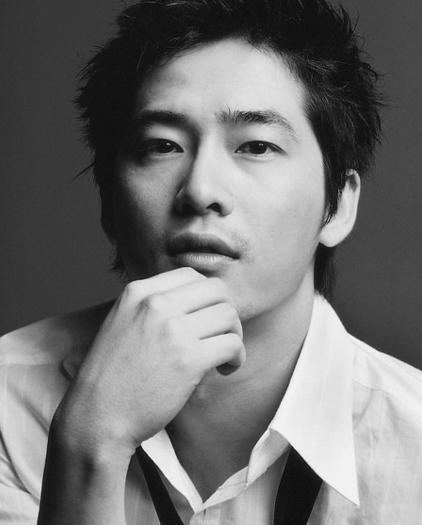 Acteurs qui font baver (oui les femmes on s'en fout !!) Kang-j10