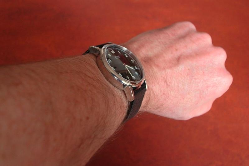 Stowa Partitio Noire manuelle -  Fond saphir Wrists11