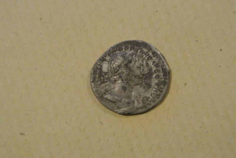 Aide identification pièce romaine J_00111