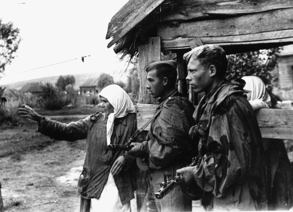 Film amateur. Kriegsmarine à Brest - 1943 34_jr_11