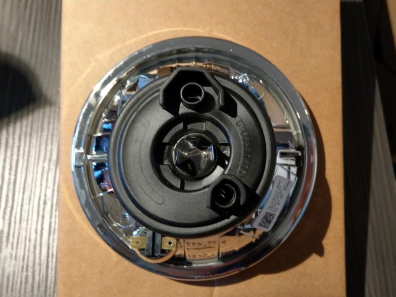 """Optique de phare H-D 5"""" 3/4 Neuf. Ref HD: 68341-05A. Imag0610"""