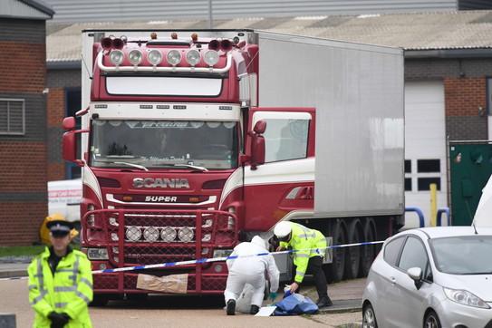 39 migranti morti in un container in Inghilterra 16090710