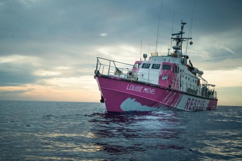 La nave di soccorso finanziata da Banksy salva 89 migranti Egrmcx10