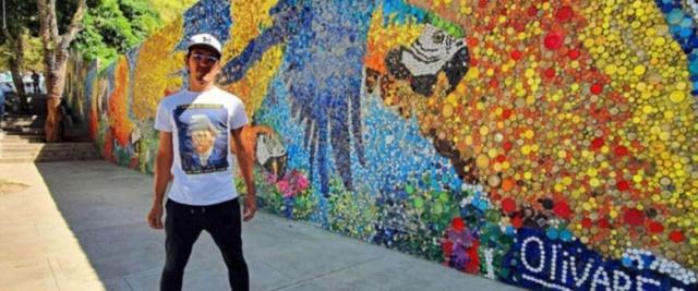 A 23 anni crea un murale ispirato a Van Gogh Olivar10