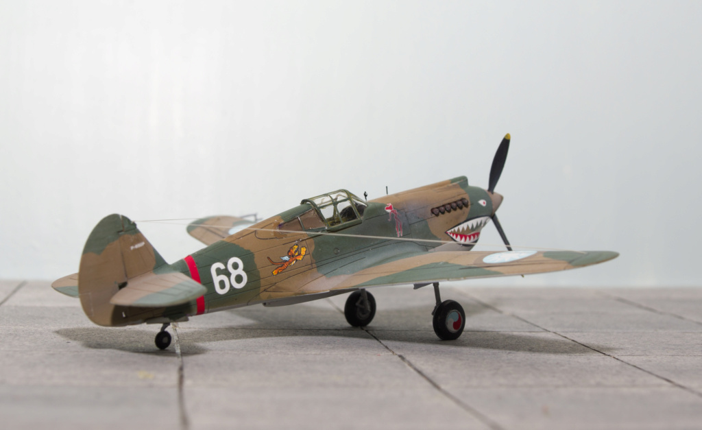 [Academy] - Curtiss P-40 Tomahawk Mk IIb Airfix27