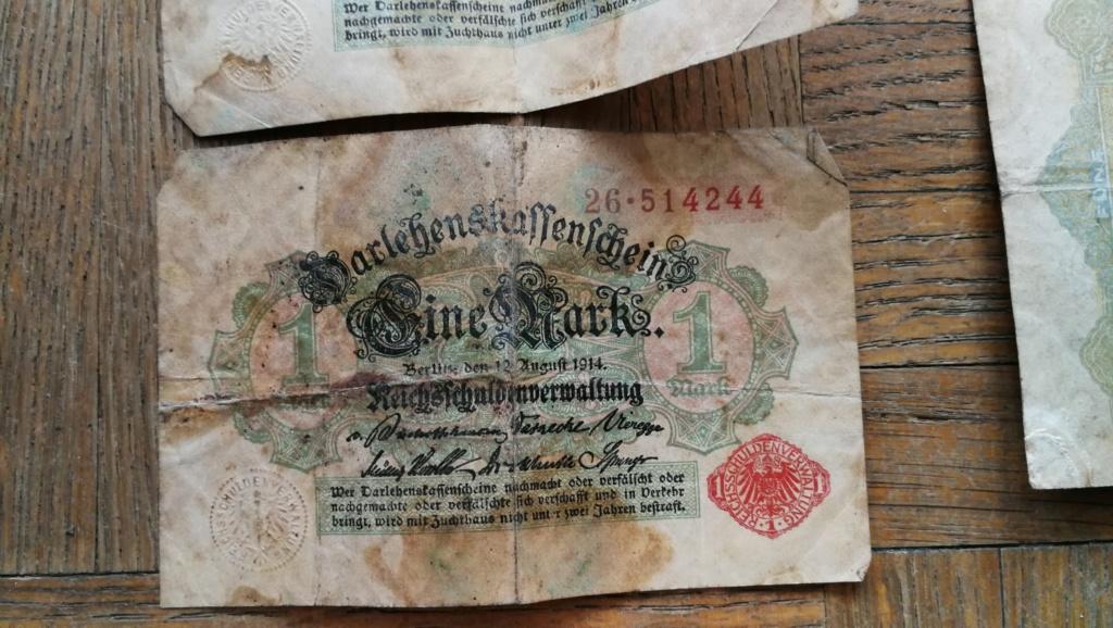 Brocante dominicale n°25: caisse Hotchkiss, plaque de ceinturon, billets .... Img_2045
