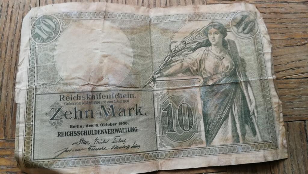 Brocante dominicale n°25: caisse Hotchkiss, plaque de ceinturon, billets .... Img_2046