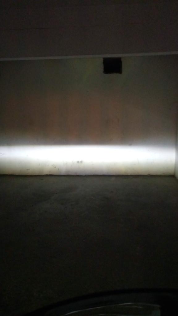 Montage phare à LED sur GL1800 18+ Img_2024