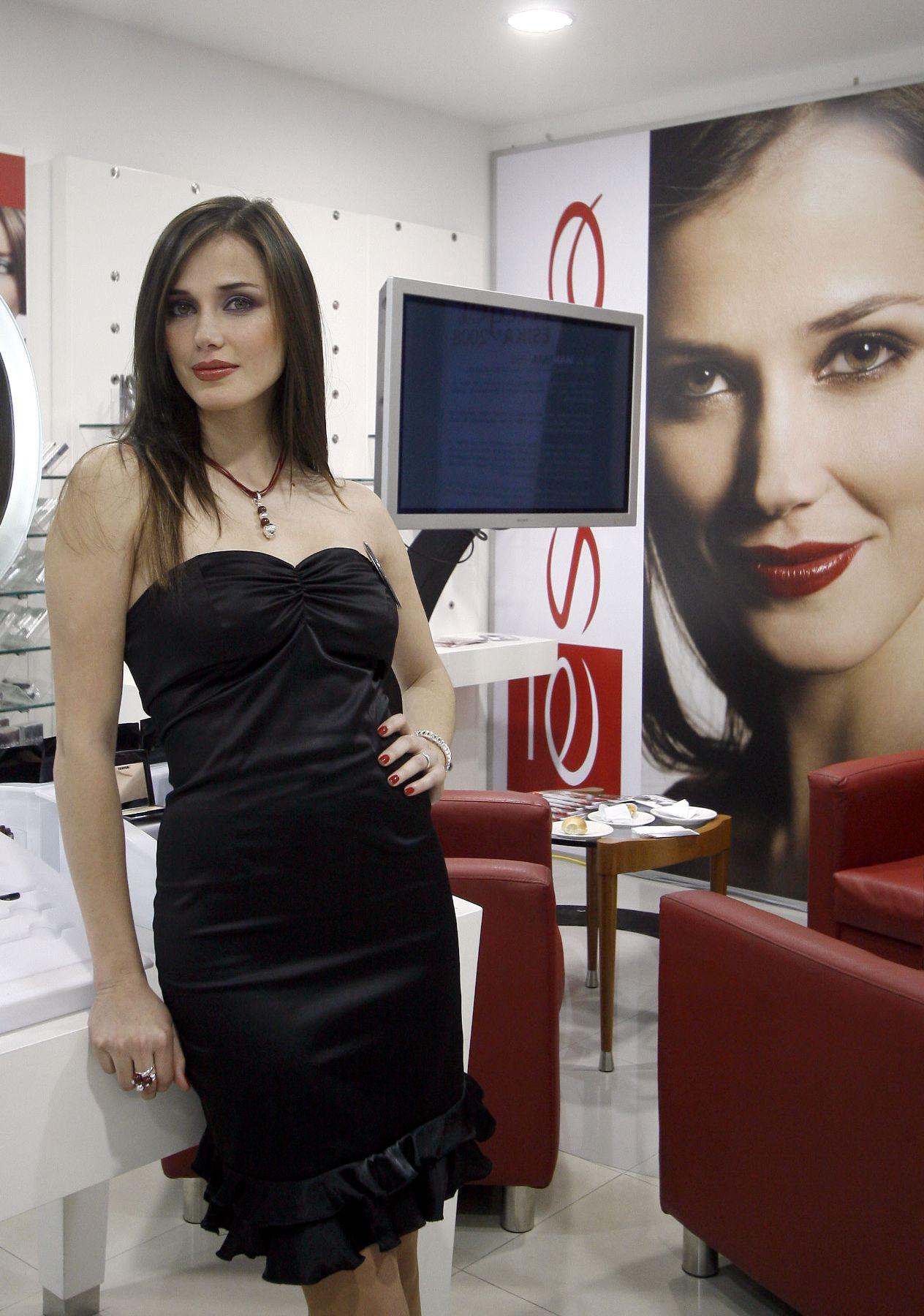 maria julia mantilla garcia (aka maju mantilla), miss world 2004. - Página 6 00007410
