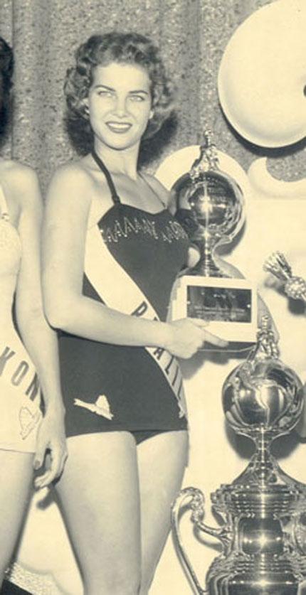 martha rocha, top 2 de miss universe 1954. primeira brasileira a participar de miss universe.†  - Página 4 01-mr10