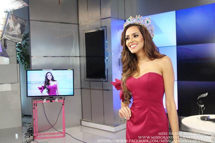 lees garcia, miss grand international 2014. - Página 2 10003310
