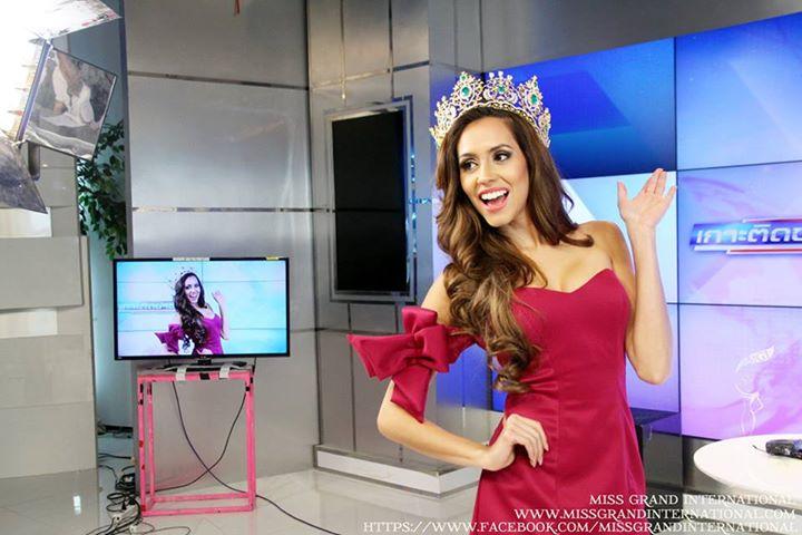 lees garcia, miss grand international 2014. - Página 2 10431410