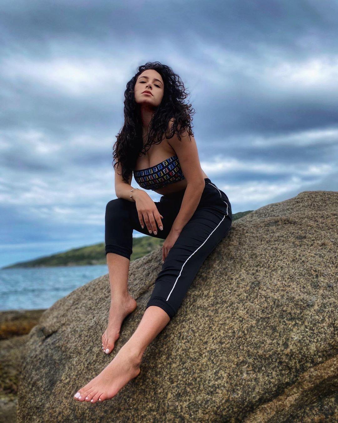 julia gama, miss brasil universo 2020/top 11 de miss world 2014. - Página 3 10613910