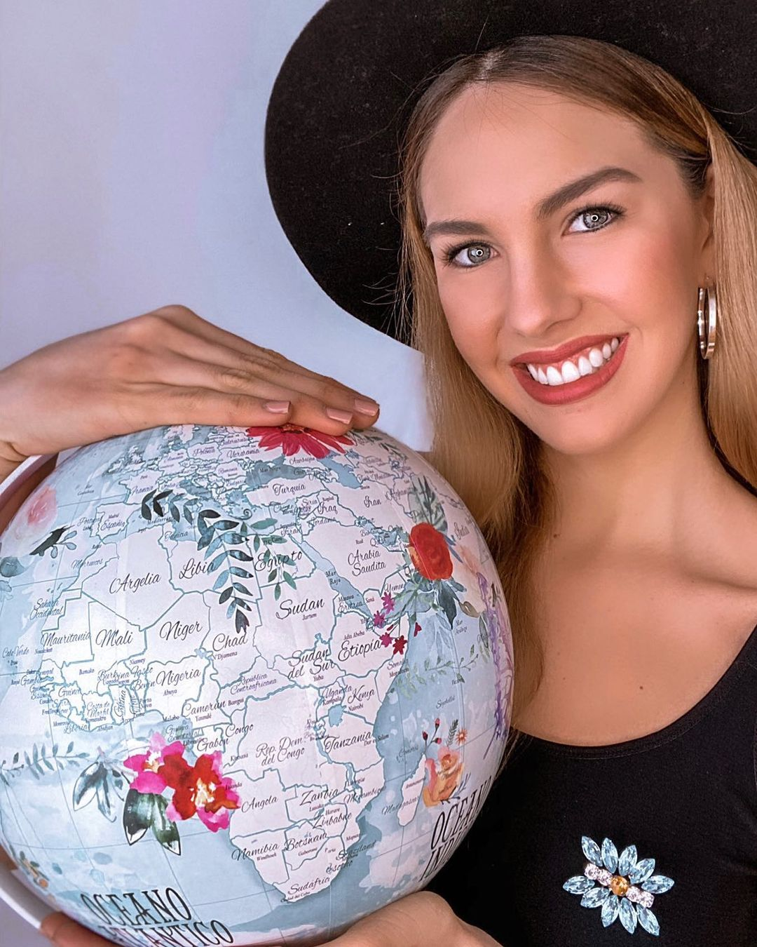 alina akselrad, top 21 de miss universe 2020. - Página 3 11878210
