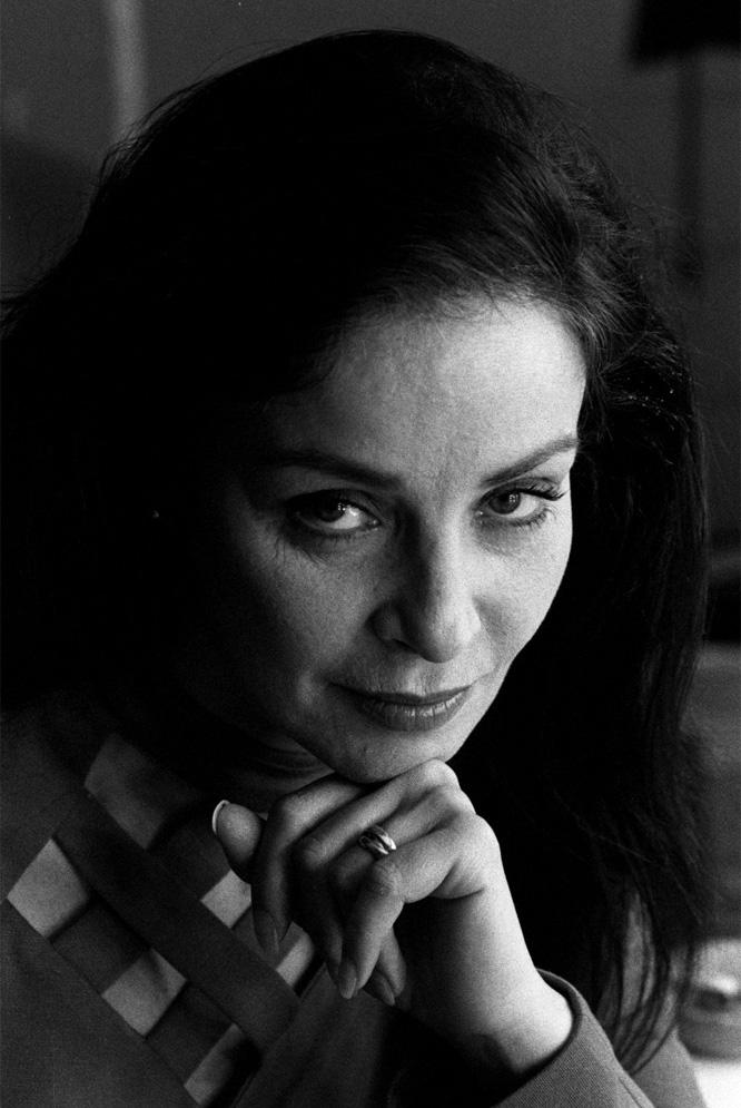 amparo munoz, miss universe 1974. † - Página 2 12988414