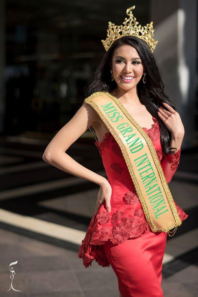 ariska putri, miss grand international 2016. 14859810
