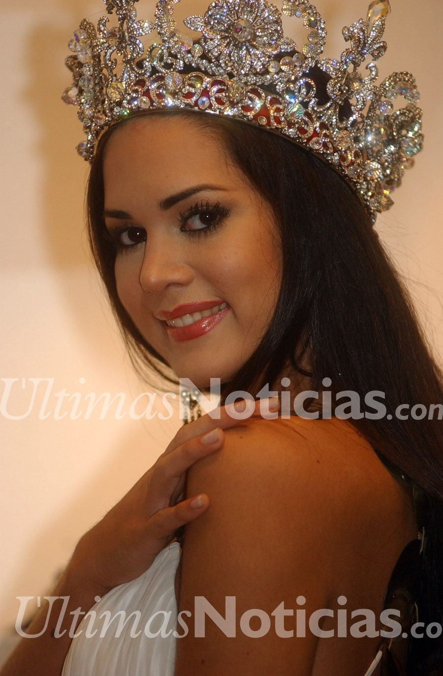 monica spear, top 5 de miss universe 2005. † - Página 16 1f092110