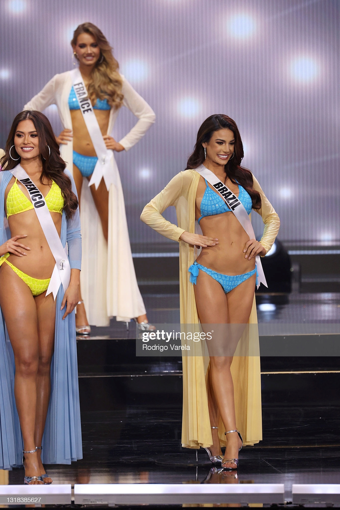 julia gama, 1st runner-up de miss universe 2020/top 11 de miss world 2014. part II. - Página 43 20877812