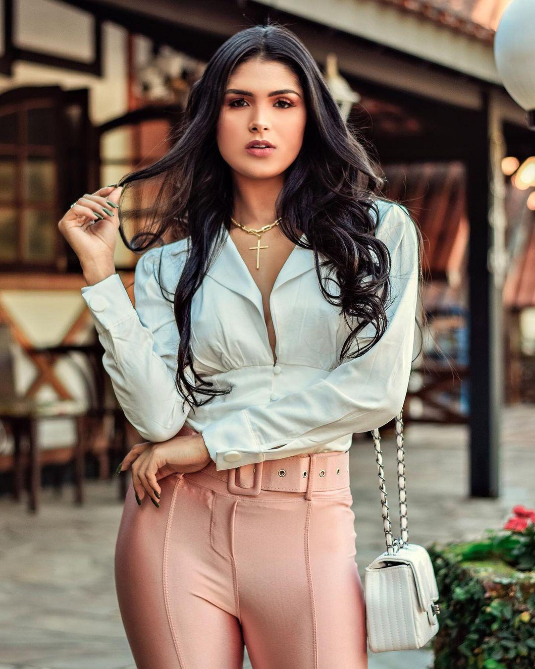 esthefane souza, top 20 de miss brasil mundo 2019. - Página 5 21282523