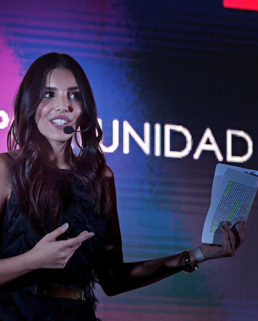 laura gonzalez, 1st runner-up de miss universe 2017. - Página 30 22171011
