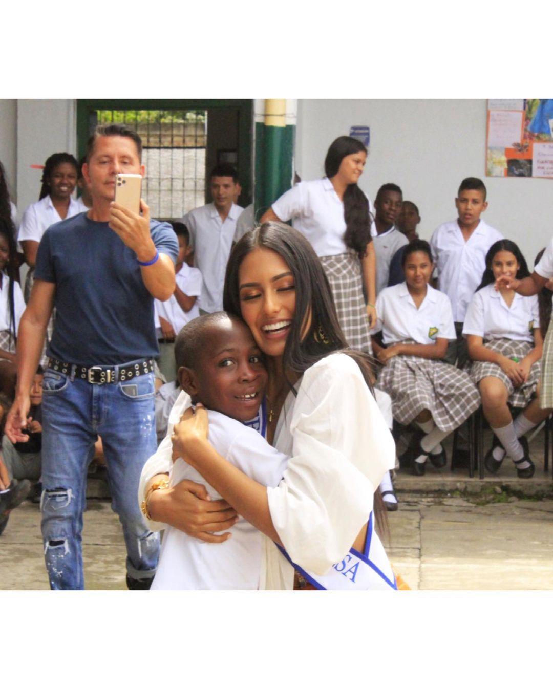 valentina aldana, miss supranational colombia 2021. - Página 4 22821410