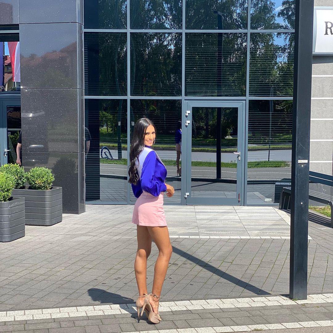 valentina aldana, miss supranational colombia 2021. - Página 5 22922310