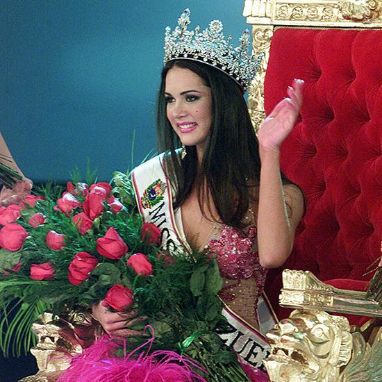 monica spear, top 5 de miss universe 2005. † - Página 17 23231211