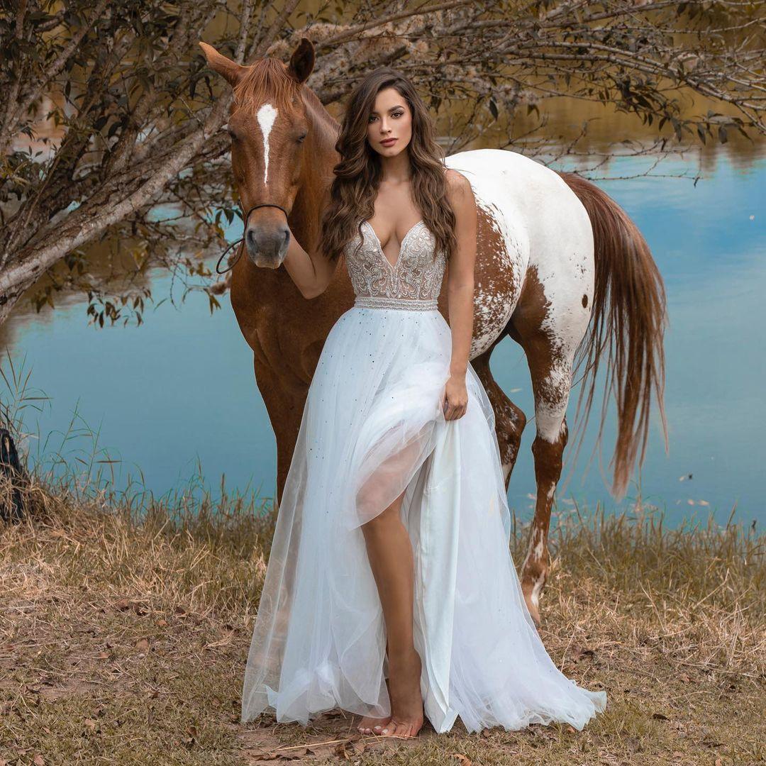 maria alejandra lopez perez, miss universe risaralda 2021/reyna hispanoamericana 2013/miss caraibes hibiscus 2014/miss colombia mundo 2015. 23242315