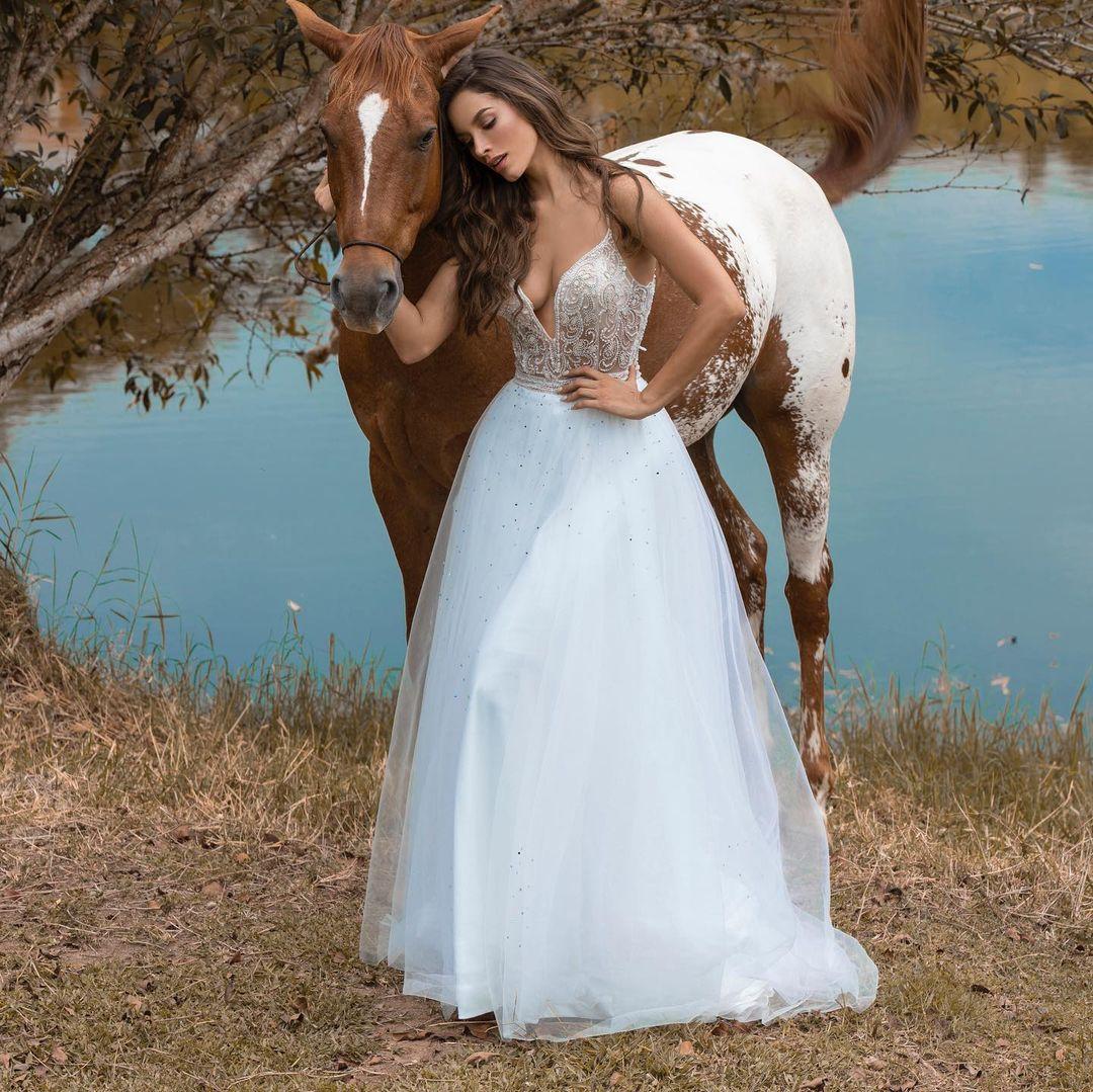maria alejandra lopez perez, miss universe risaralda 2021/reyna hispanoamericana 2013/miss caraibes hibiscus 2014/miss colombia mundo 2015. 23242316