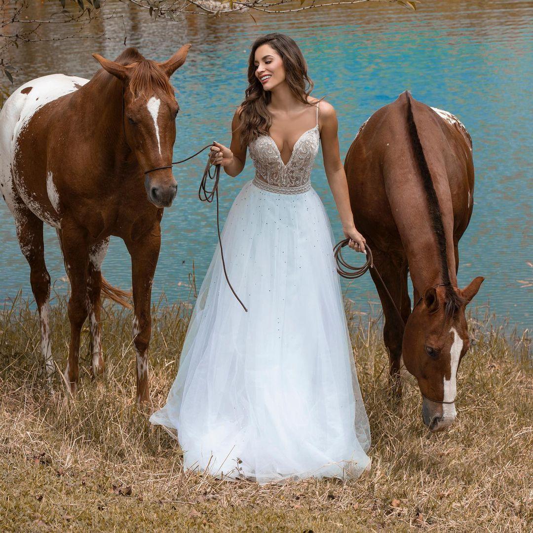 maria alejandra lopez perez, miss universe risaralda 2021/reyna hispanoamericana 2013/miss caraibes hibiscus 2014/miss colombia mundo 2015. 23242317