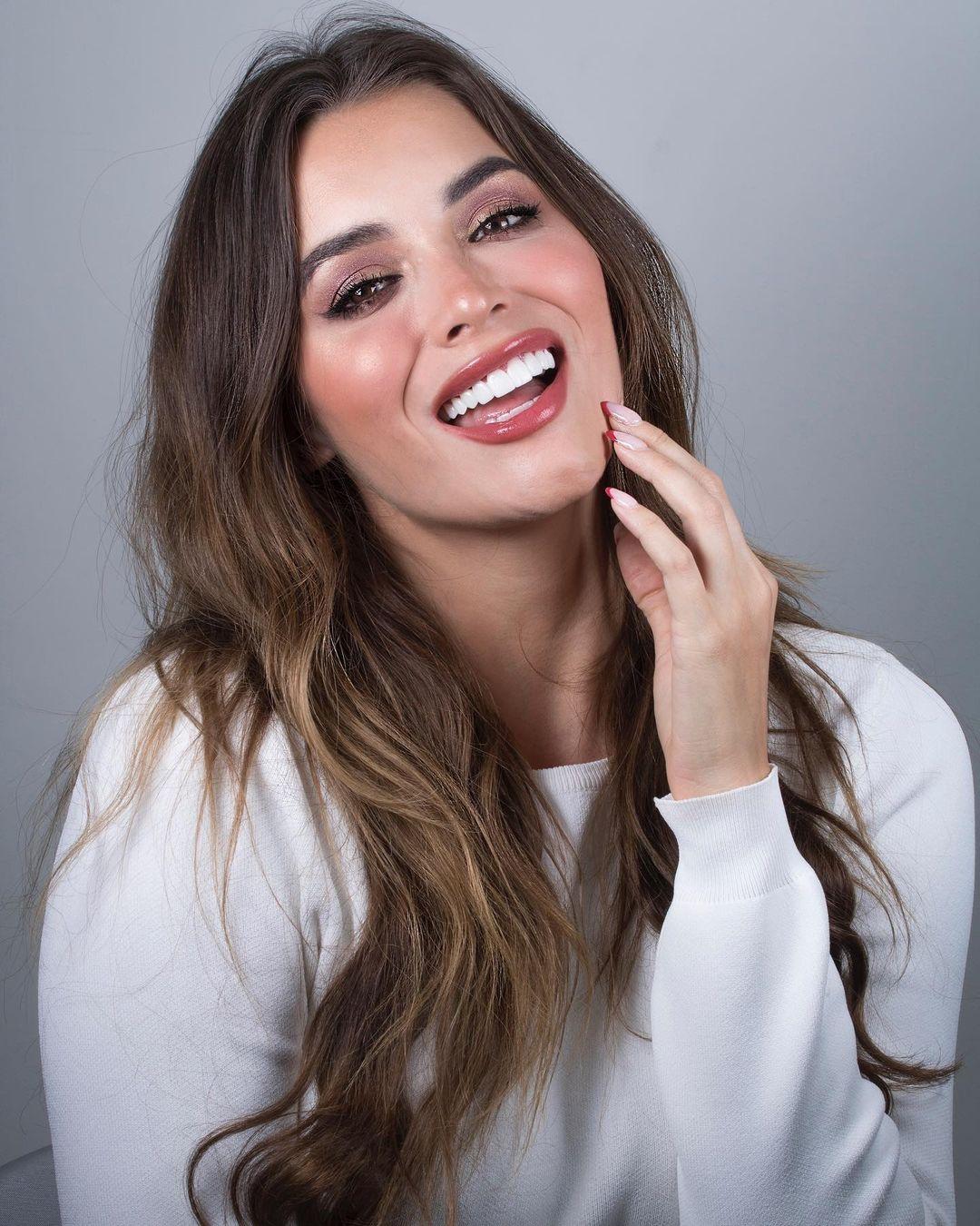 maria alejandra lopez perez, miss universe risaralda 2021/reyna hispanoamericana 2013/miss caraibes hibiscus 2014/miss colombia mundo 2015. 23242321