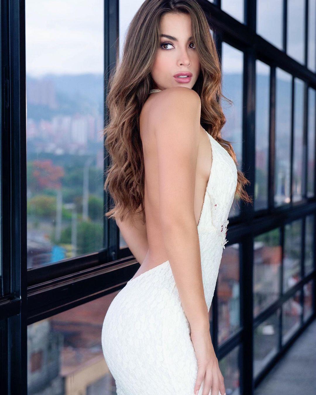 maria alejandra lopez perez, top 2 de miss universe colombia 2021/reyna hispanoamericana 2013/miss caraibes hibiscus 2014/miss colombia mundo 2015. - Página 3 24057817