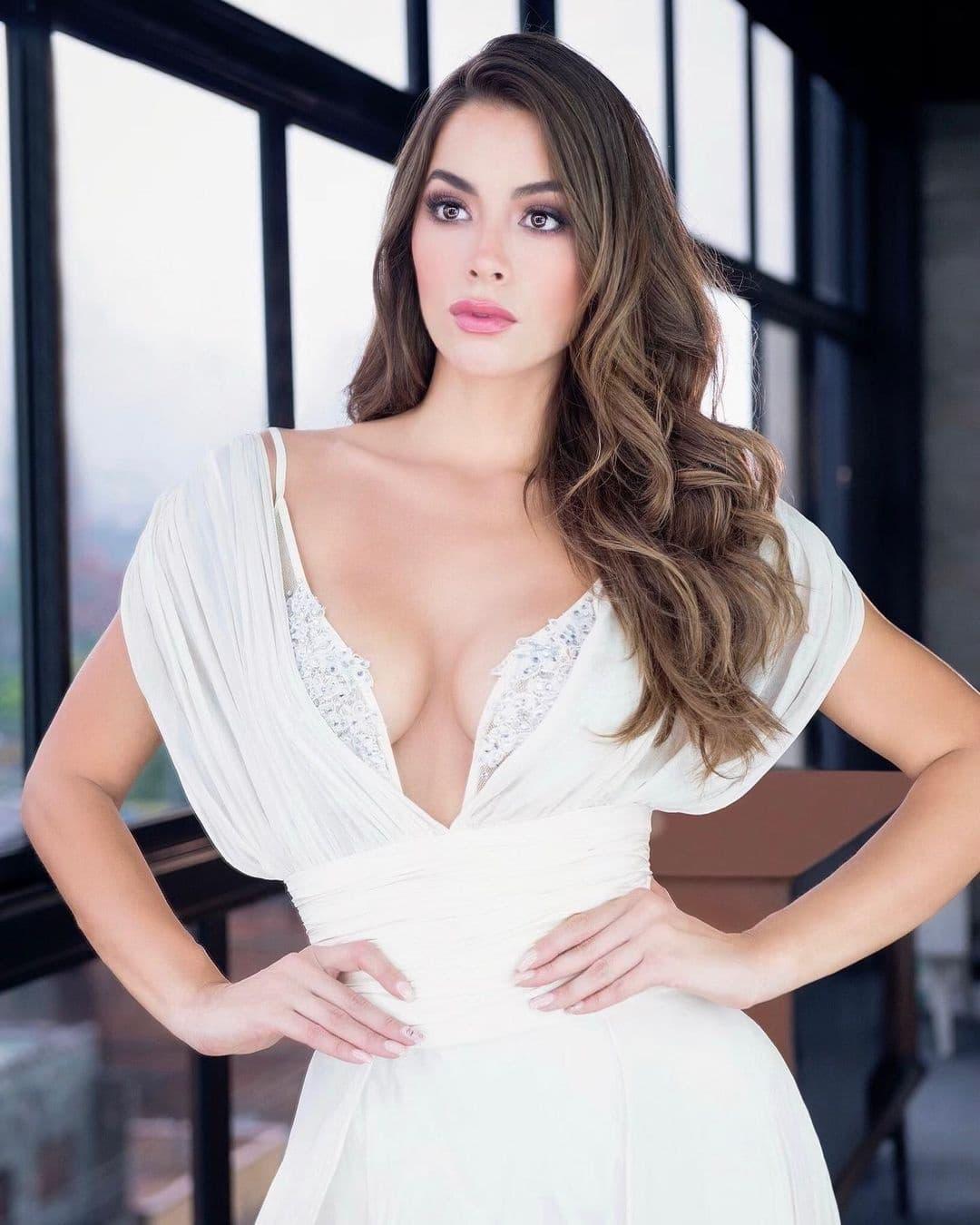 maria alejandra lopez perez, top 2 de miss universe colombia 2021/reyna hispanoamericana 2013/miss caraibes hibiscus 2014/miss colombia mundo 2015. - Página 5 24190712