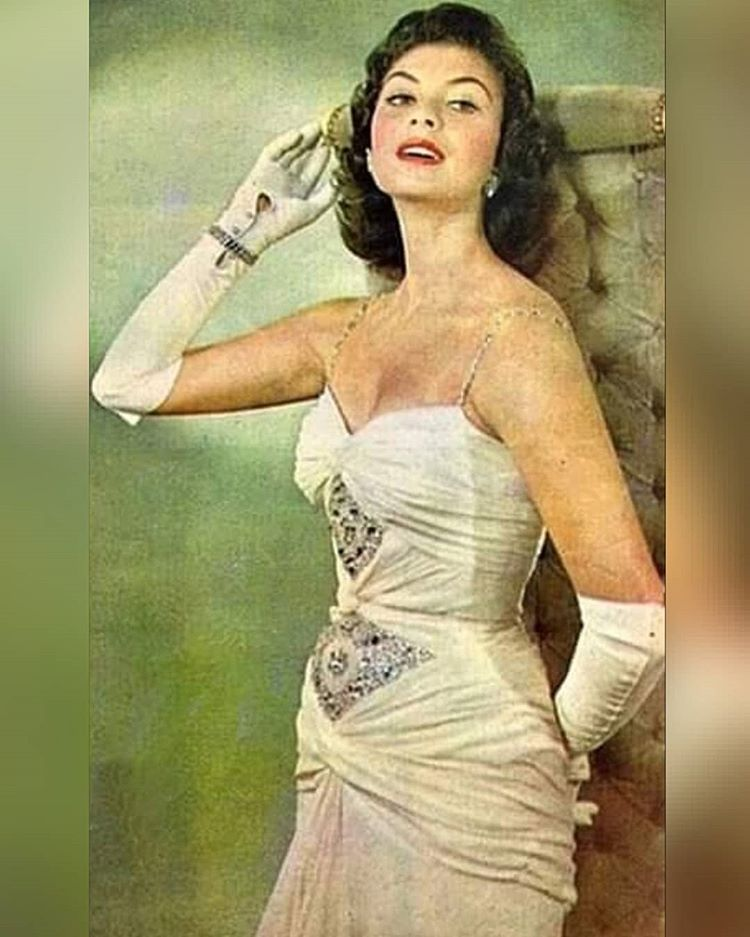 gladys zender, miss universe 1957. primera latina a vencer este concurso. - Página 4 26297110