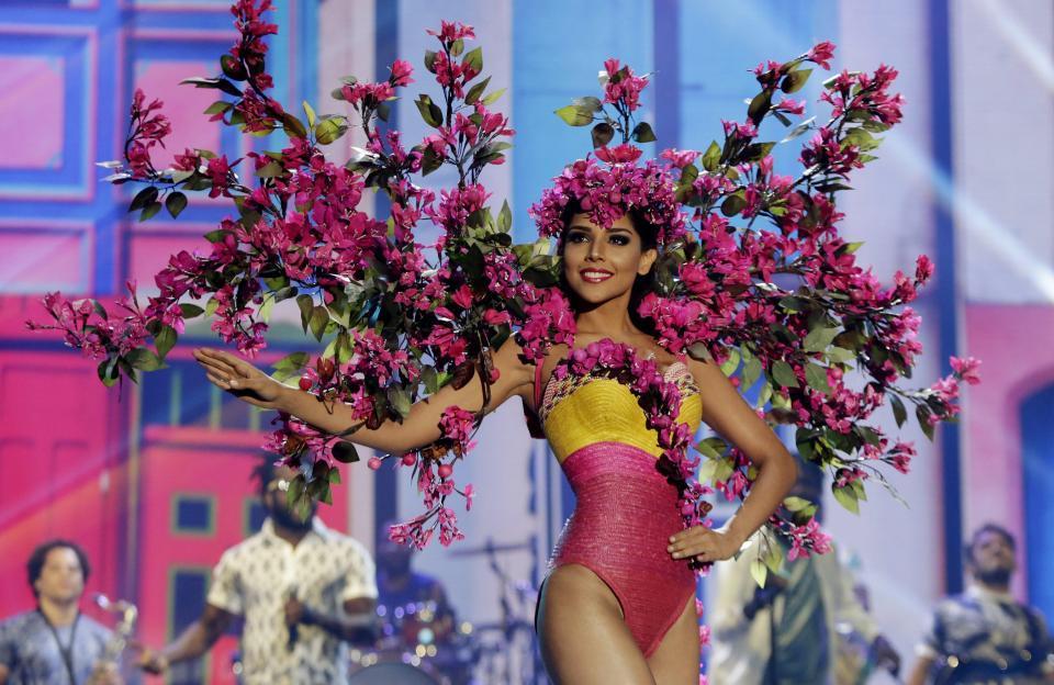 laura gonzalez, 1st runner-up de miss universe 2017. - Página 2 2e219810
