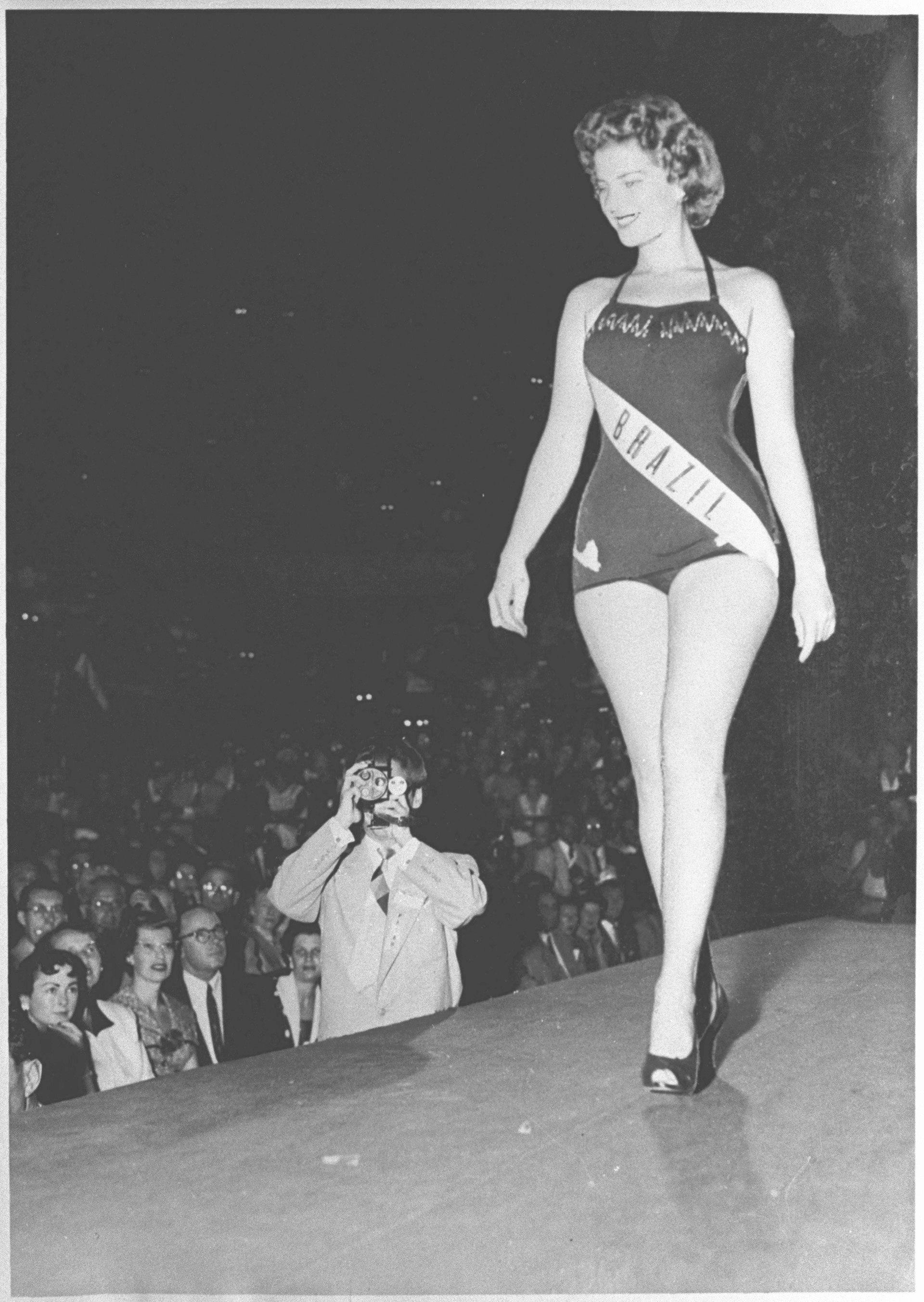 martha rocha, top 2 de miss universe 1954. primeira brasileira a participar de miss universe.†  - Página 3 41706910
