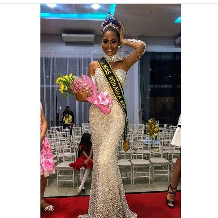 natali vitoria, miss roraima mundo 2020/top 15 de miss brasil universo 2019 /miss brasil teen universe 2017. primeira miss negra a vencer o miss roraima. - Página 8 49485910