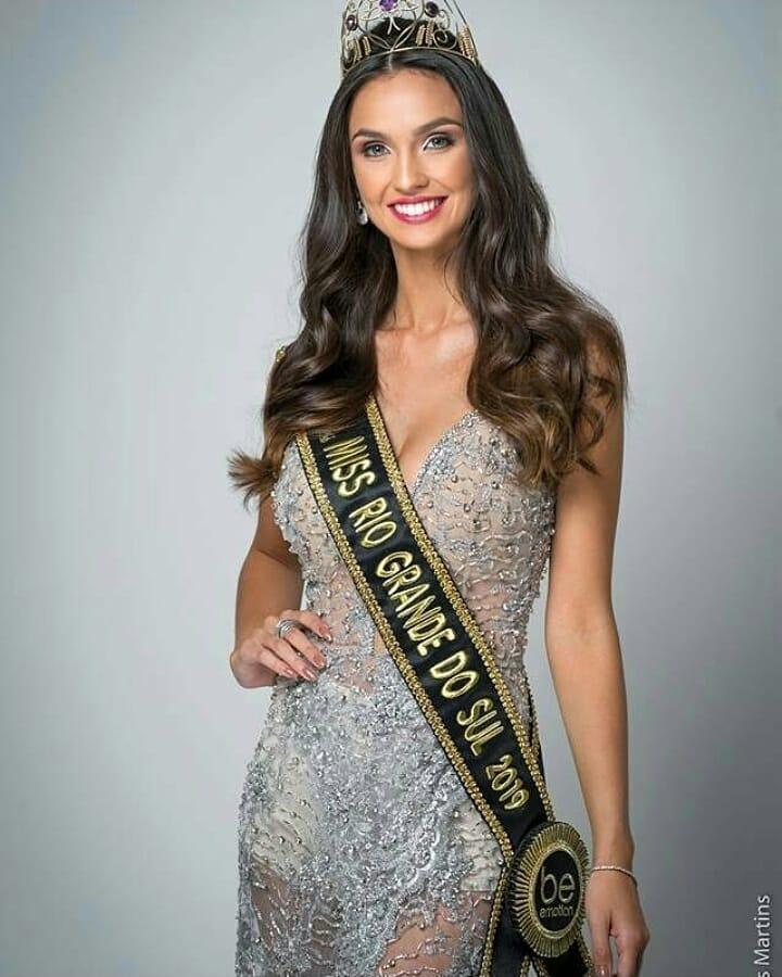 bianca scheren, miss charm brazil 2020. - Página 4 50666510