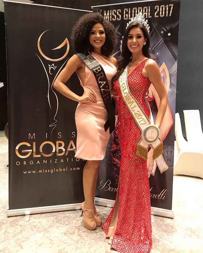 juliana soares, miss brasil global 2019. - Página 3 51240410