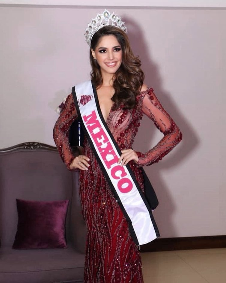 mich hewitt, miss tourism world 2019. - Página 2 52566013