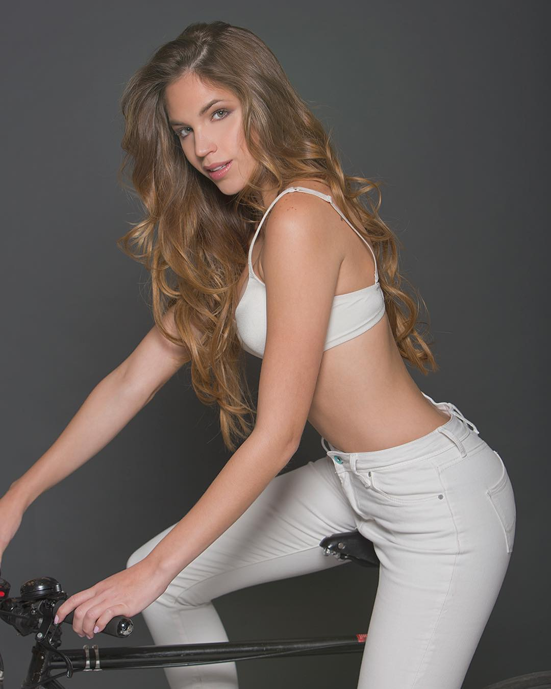 gina bitorzoli, miss intercontinental venezuela 2018-2019. 52vn5810