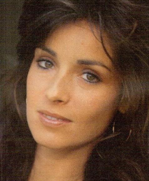 amparo munoz, miss universe 1974. † - Página 2 52xq3f10