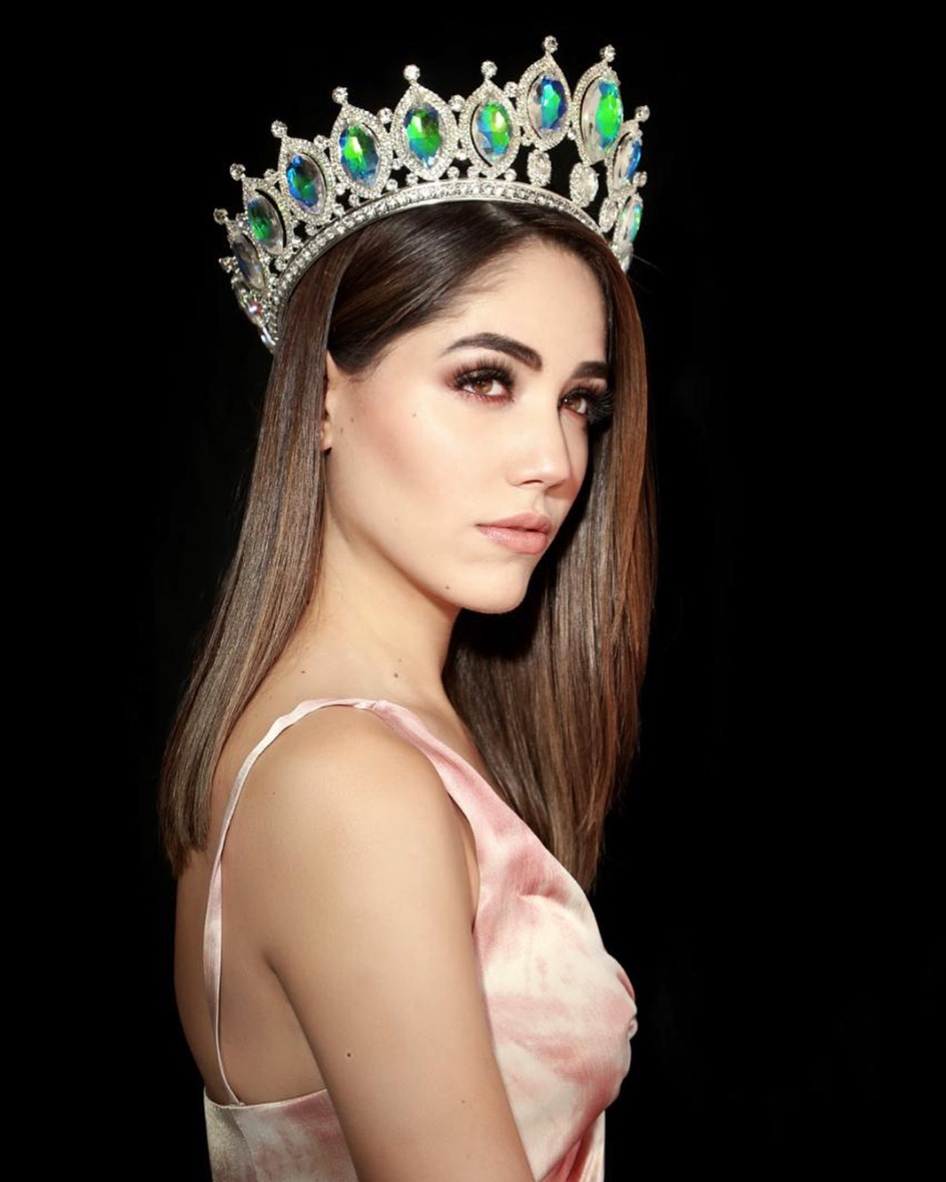 mich hewitt, miss tourism world 2019. - Página 2 54510812