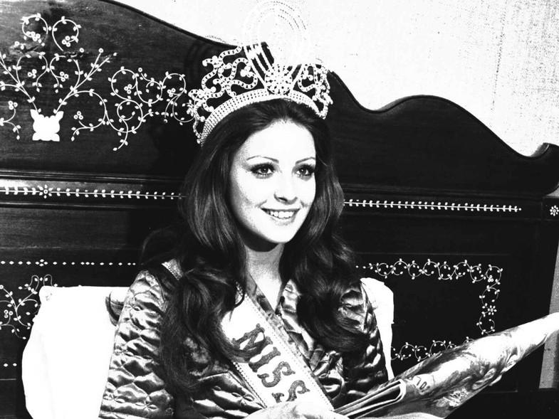 amparo munoz, miss universe 1974. † - Página 2 5505510