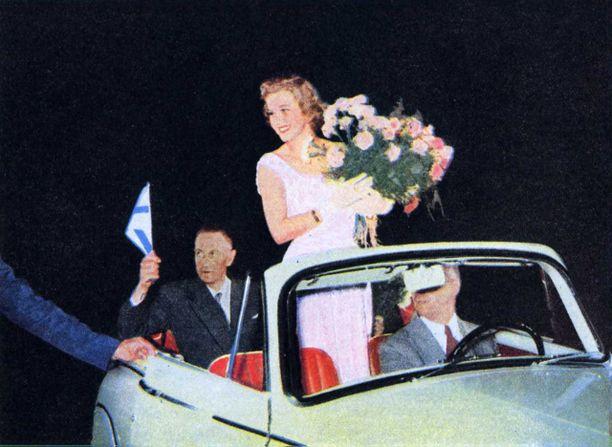 armi kuusela, miss universe 1952. primera mu. - Página 3 5781a510